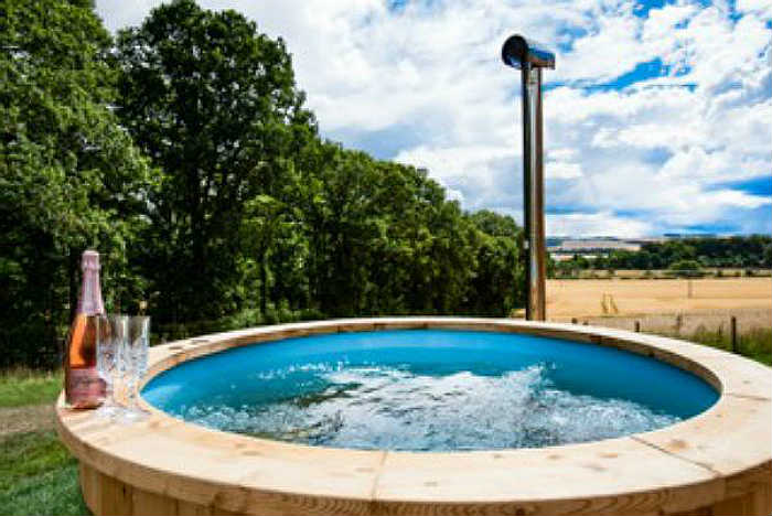 Eden Hideaway Hot Tub with Country Views