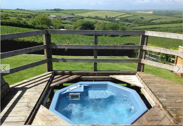 Tubbs Delight Hot Tub with Country Views