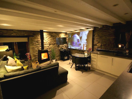Holiday home with home cinema