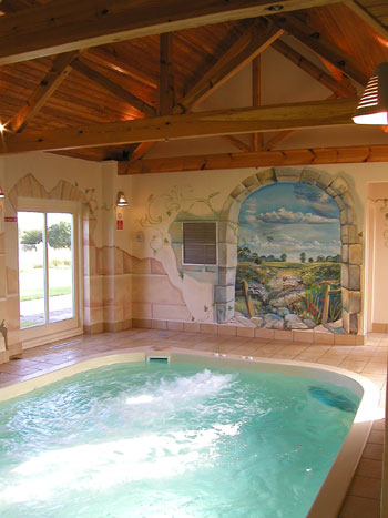 Hen parties self catering cottages for hen party weekends - Hen party houses with swimming pool ...