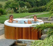 log cabin holidays hot tub