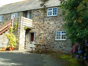 good value self catering cottage Cornwall