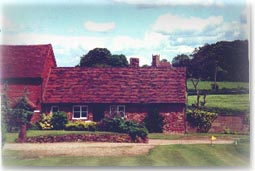 Self-catering country cottages within driving distance of Stratford-upon-Avon