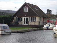 fishing holidays east anglia, self-catering lodge