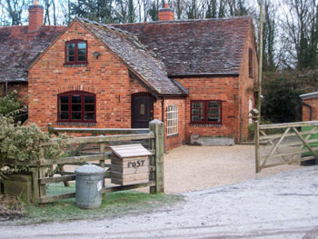 holiday cottage with stabling near NEC Birmingham West Midlands