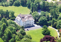 Large country house for corporate events training