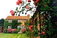 country cottages Scarborough with attractive gardens, leisure centre, games room, adventure playground
