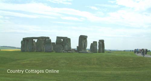 holiday cottages near Stonehenge Wiltshire