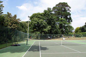 east anglian holiday cottages with tennis courts