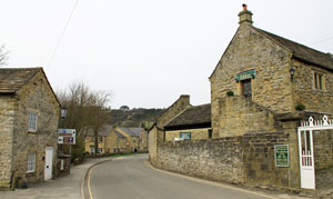holiday cottages with a swimming pool in the peak district