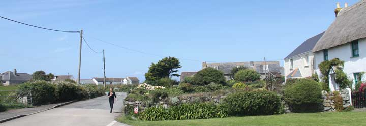 cottages that sleep 1, 2, 3, 4, 5, 6, 7, 8, 9, 10, 11,12 or more people  for self catering holidays