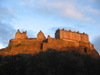 Edinburgh accommodation, you might not be able to stay in the castle but find self-catering houses, cottages, apartments and log cabins within driving distance.
