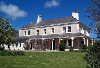 large holiday cottages in the UK and Ireland