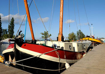 Self Catering Houseboats For Houseboat Holidays From