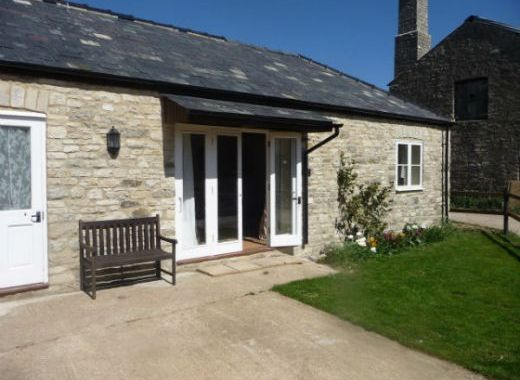 Dorset Farm Cottage with Stabling Available