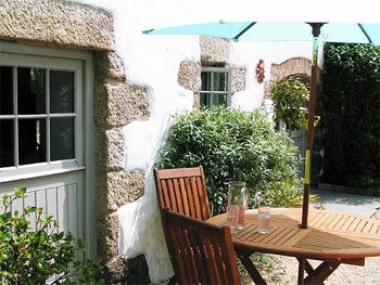 self catering cottages in area of outstanding natural beauty cornwall