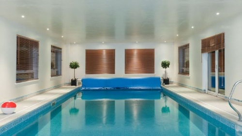 Country house swimming pool