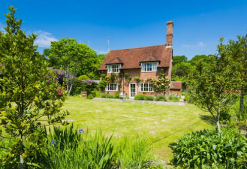 Beautiful Cottage For Holidays: Self-Catering Cottages In Secluded UK